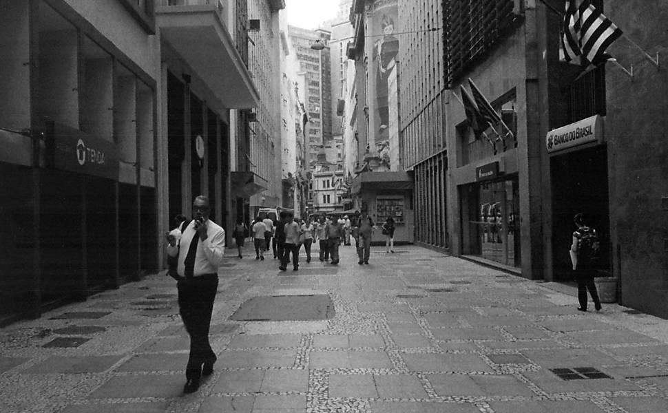 """Planos de Fuga"" por Mauro Restiffe"